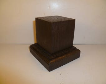 Made with beech and oak schc13 for figurines square wood base