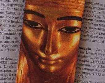 This sweet Golden Egyptian magnetic bookmark