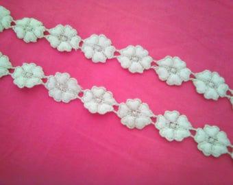 lace flowers ecrues 80 CM