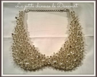 Necklace collar with pearls and rhinestones