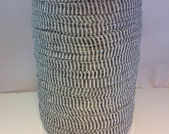 Large spool of Trapilho cotton stretch Zebra black and white