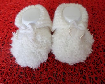 Slippers white fur with a bow