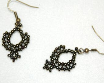 Drop earrings with seed beads