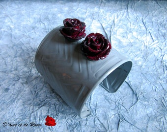 Cuff Bracelet gray and plum roses