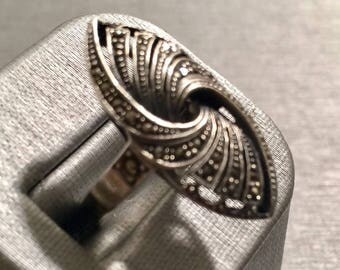 Vintage Silver .925 Ring size 7