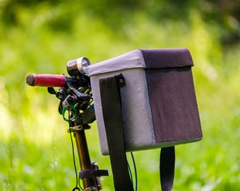 Hard shell waterproof bicycle bag for camera and gadgets
