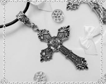 Beautiful cross pendant in Tibetan silver - nicely worked - 6 cms