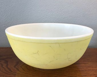 Vintage Pyrex 404 Yellow Bowl