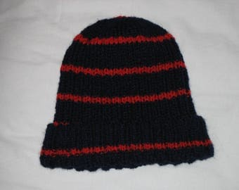 Knit sides, Navy/red wool hat