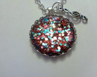"Necklace ""Treble clef"" glitter red and multicolor cabochon"