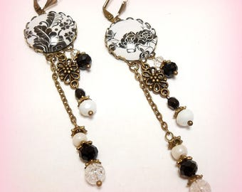 """""""Black and white foliage"""" cabochon earrings"""