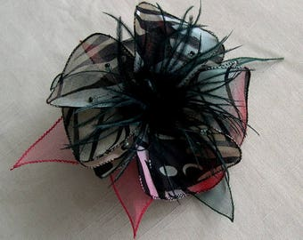 Flower brooch in fabric & feathers and pearls 007 *.