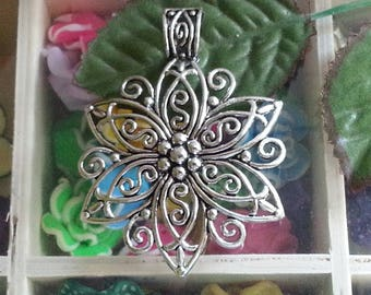 1 large Tibetan Horn pendant, for the design of necklace, silver alloy flower antique, 65.5x48x1 mm, hole: 11 x 8 mm