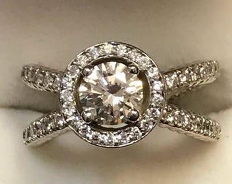 Hug and Kiss forever (Diamond Engagement ring)
