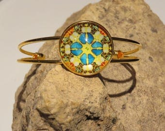 Out with 6 cabochon bracelet