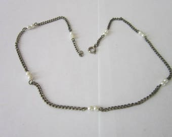 Old Faux Pearl & Chain Necklace