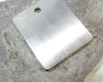 brushed stainless steel pendant plated 3.2 * 4 cm