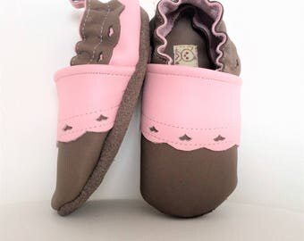 SOFT leather baby BOOTIES has elastic size 18-19 (6-12 months) pink and taupe