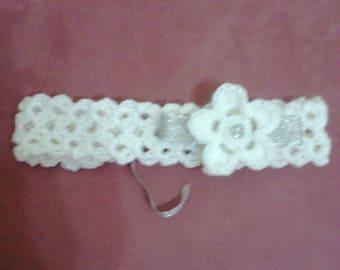 White headband with crochet flower