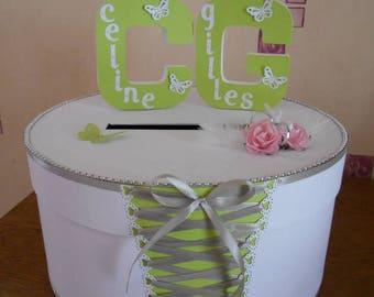 For round wedding urn