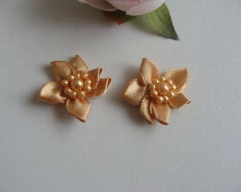 Set of 2 sconces caramel flower 2.5 cm diameter heart button bead