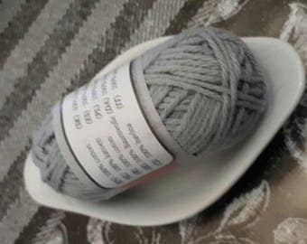 SMALL 25 meter 10 g wire ball has embroidered grey SCRAPBOOKING