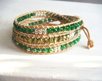 Bracelet type chan luu in shades of green and silver/natural colored leather wrap bracelet