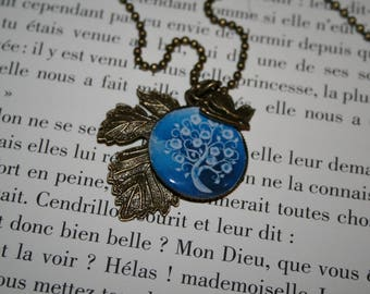 Long necklace - tree of life blue sheet and his butterfly