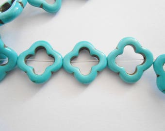 Howlite Turquoise bead shape Fleur pattern crack 20 x 20 mm. (9272212)