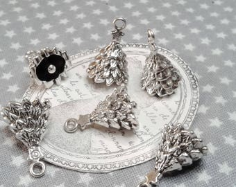 ☆ 10 gorgeous charms 3D silver Christmas tree, 18 x 12 x 12mm, 2 mm hole