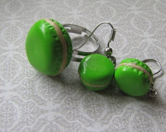 Green macaroons earrings and ring set