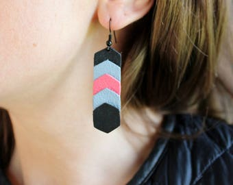 Earrings chevron leather Hexagon black/pink/blue gray (drilled)