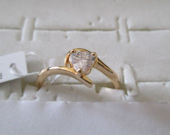 gold plated ring and zirconium heart