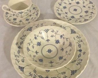 Myott Finlandia China Dinnerware Staffordshire Setting for 6 Plates, Teacups EUC