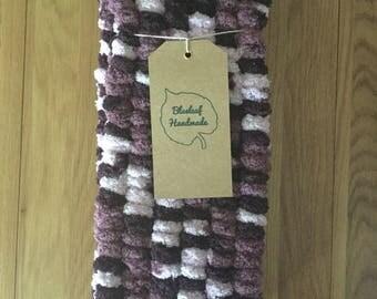 Mauve pom-pom fluffy scarf