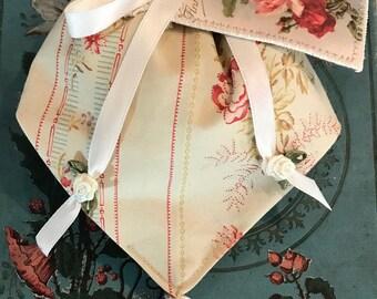 Small romantic floral purse