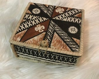 Vintage Maori Straw Trinket Box