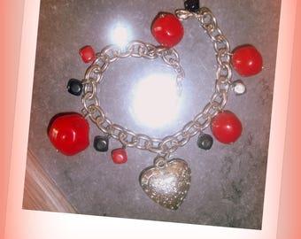 set of 2 * fashion BRACELETS, chain, beads and charms