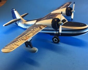 """Rare Vintage Twin-Engine Pontoon Model Airplane by Gearbox, 11 1/2"""" x 9 3/4"""""""