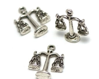 "4 charms has ""3 D"", 22 x 18 x 6 mm, silver, 033"