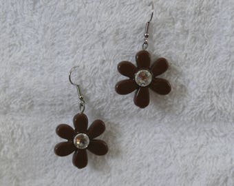 earring with flower and rhinestone