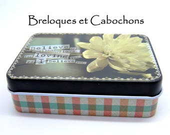 1 metal box ideal for storage 9.2 cm long/6.5 wide 2.6 cm height