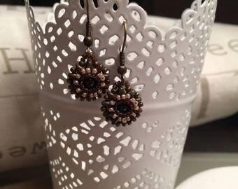 Small brown flowers earrings