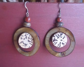 ethnic earrings mother of Pearl and jupatii
