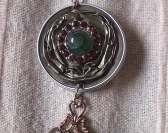 "Locket / green ""retro"" pendant"