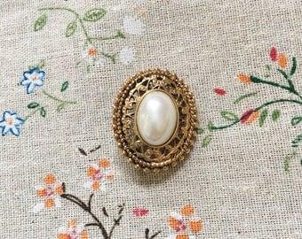 Vintage Gold Costume Brooch