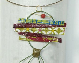 Fish pendant made of paper and wire khaki