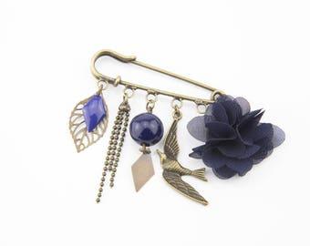 Brooch pin Navy Blue and brass #1410 bird
