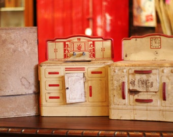 Vintage 1940s Metal Toy Kitchen Set
