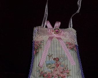 Small decorative shabby chic to hang anywhere